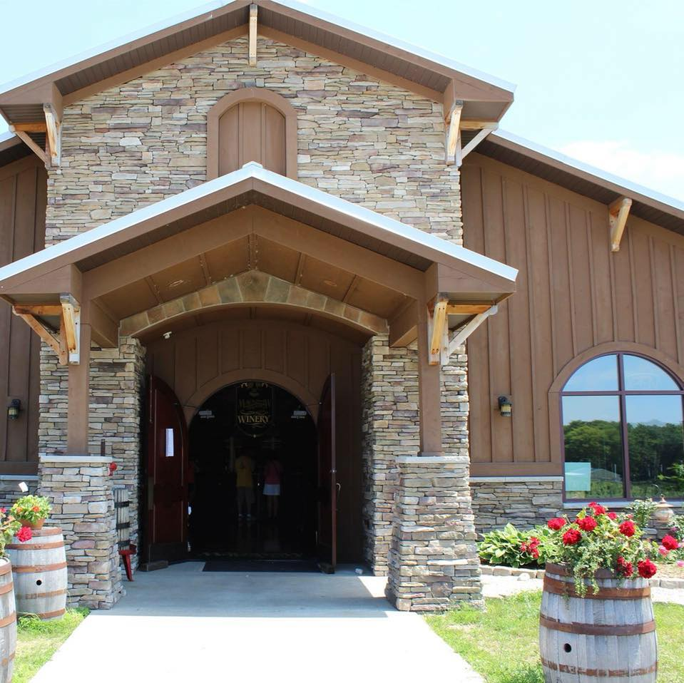 mackinaw trail winery and brewery wines 2