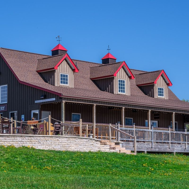 petoskey farms winery tasting room